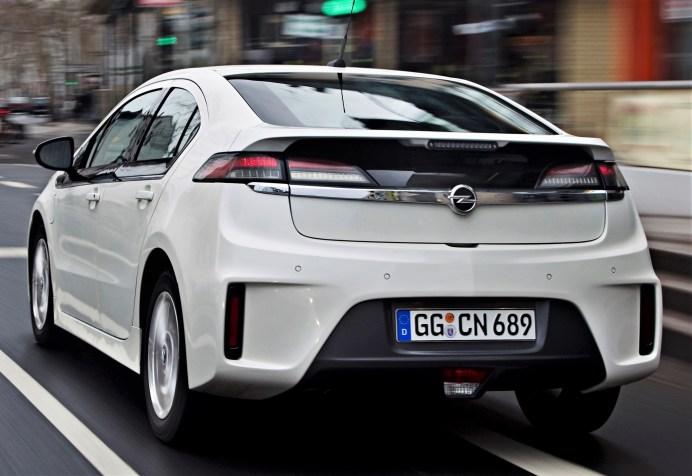 Auch am Heck war jedes noch so kleine Detail auf Effizienz hin optimiert. @ Opel