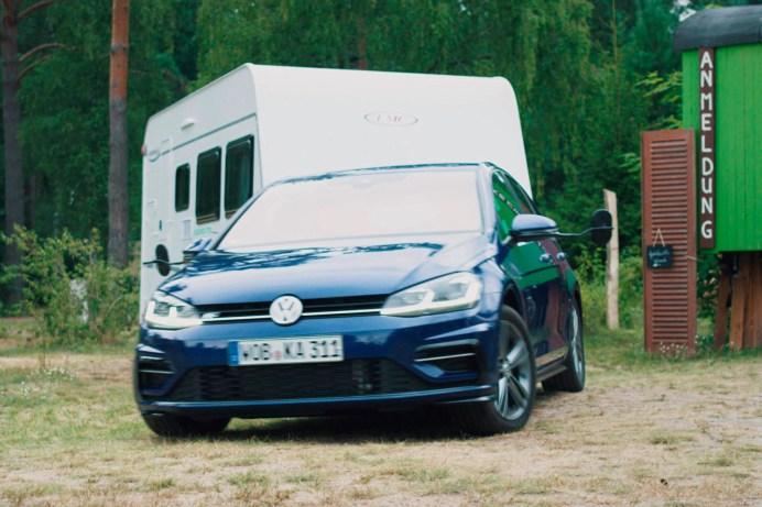 """Wer mit einem Wohnmobil auf Reisen geht, sollte unbedingt einige """"Spielregeln"""" beachten. Schließlich geht es um die Verkehrssicherheit. © Volkswagen"""
