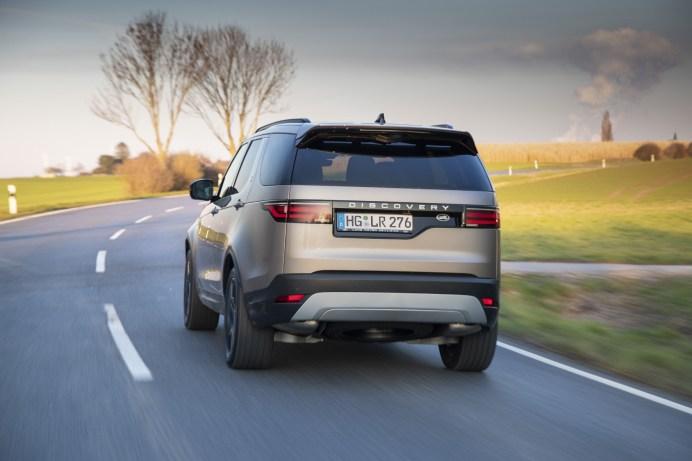 LED-Leuchten mit sequentiellen Blinkern sind beim neuen Land Rover Discovery Standard. © Land Rover