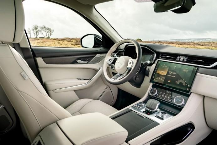 Purer Luxus: Den neuen Jaguar F-Pace gibt es mit sehr edlem Interieur. © Jaguar