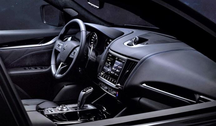 Typisch Maserati: Der Innenraum des Levante Hybrid präsentiert sich vornehm, sportlich und komfortabel. © Maserati