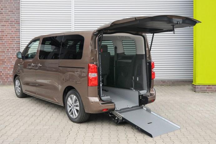 Der Opel Zafira-e Life mit zertifiziertem Umbau eignet sich perfekt zur Beförderung von Rollstuhlfahrern. © Opel