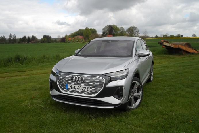 """Geschlossene """"Elektro-Front"""", typischer Audi-Blick: Der Q4 e-tron öffnet die E-Mobilität für größere Käuferkreise. © Rudolf Huber / mid"""