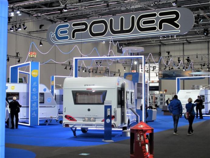 Elektrifizierung bei Wohnwagen zeigte Knaus umfassend unter dem Motto E-POWER. © Karl Seiler