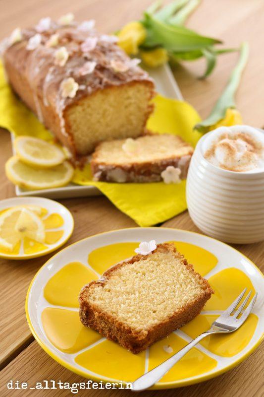 Zitronenkuchen, backen, saftiger Rührkuchen, sauer macht lustig