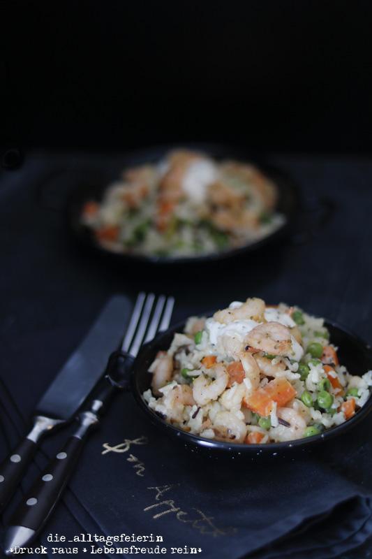 kalifornische Garnelenpfanne, Reis, Garnelen, Meeresfrüchte, gesundes Rezept, Mittagessen, Familienküche, Familienrezept, leichte Küche, Möhren, Erbsen, Creme fraice, Ü40-Blogger