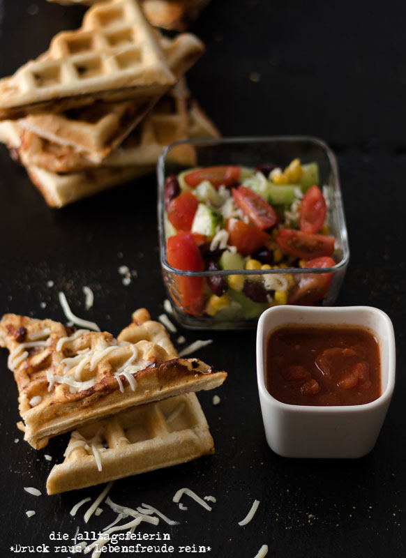 {Rezept} Waffel-Calzone mit Salat