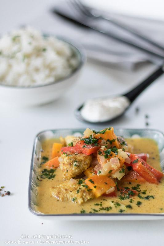 Wochenendfeierei KW20-19, Indisches Haehnchen-Curry, Curry, Gewuerz, indische Kueche, Reis, Naan-Brot, Paprika, Familienkueche, leichte Kueche, Kindergericht, frisch kochen, Mango