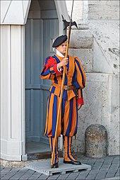 170px Garde suisse (Vatican) (5994412883)