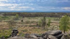 Blick vom Little Round Top, gegenüber am Wald waren die Truppen der Konföderation