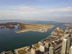 Blick auf den Ontario-See vom CN-TOWER