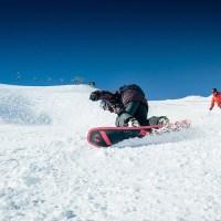 Richtiges Verhalten auf der Skipiste: Die zehn FIS-Regeln für richtiges Verhalten auf der Skipiste, Infos zur Helmpflicht in Österreich und warum Pisten auch in Obertauern in der Nacht gesperrt sind. Foto: TVB Obertauern