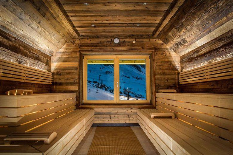 Ob Panorama-Sauna, Beautybereich oder Schwimmbad: Bei 1300m² Wellnesslandschaft im Hotel Das Seekarhaus findet jeder das Richtige für sich. Foto: Hotel Das Seekarhaus