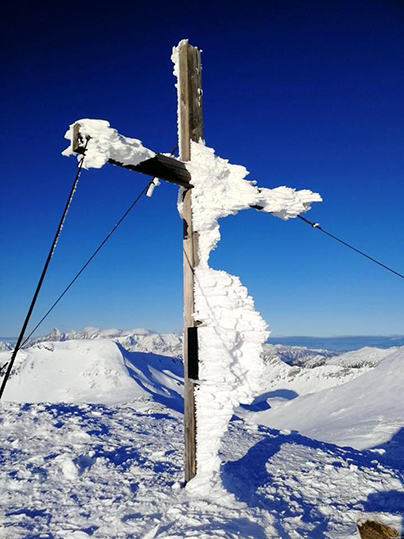 Gerade in den Bergen kann es leicht zu sehr tiefen Temperaturen kommen. Dies setzt selbst den besten Handys zu. Foto: Hotel Das Seekarhaus