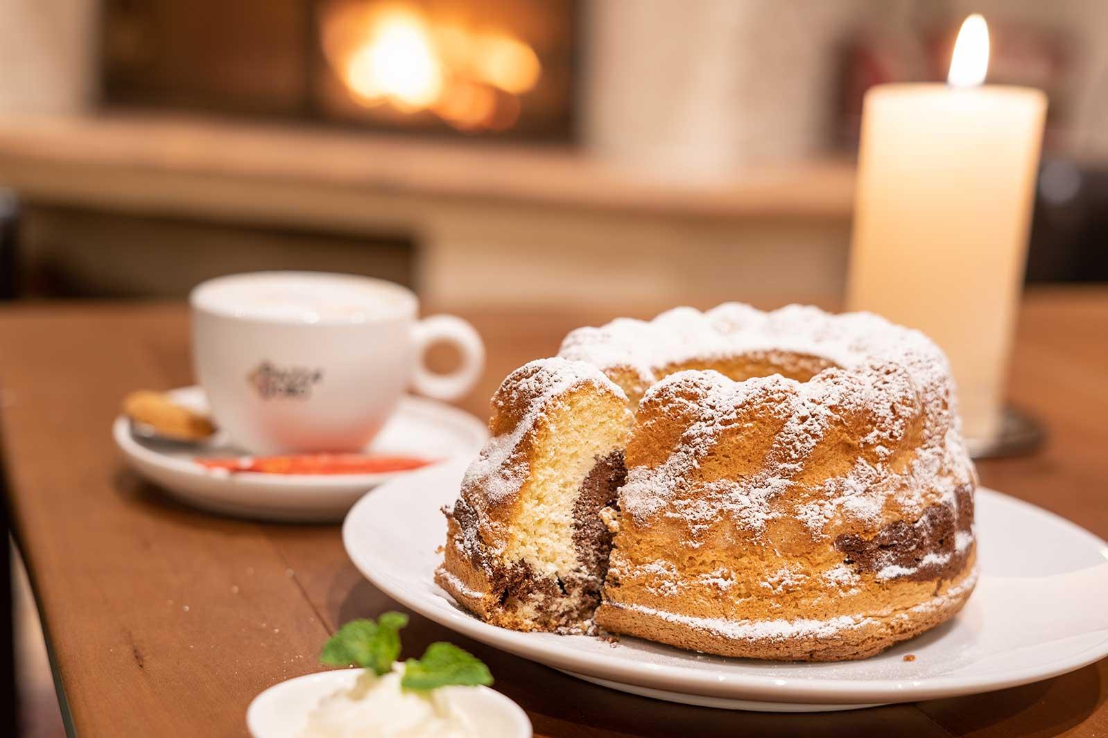 Essen wie in Obertauern: Marmorgugelhupf selber backen. Das Fünf-Sterne-Hotel Das Seekarhaus hat sein Rezept verraten.
