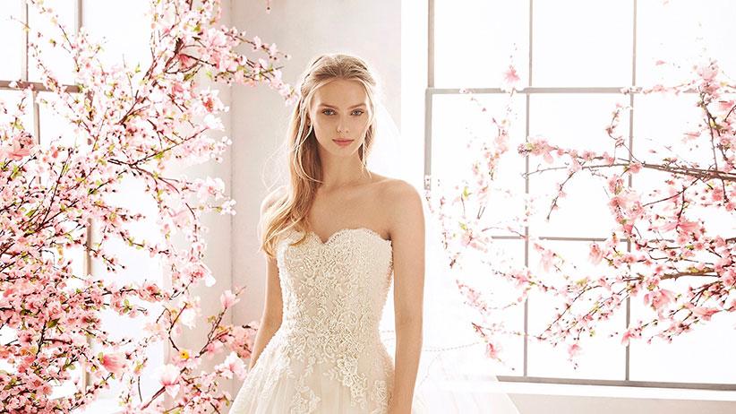 Brautmode in Salzburg: Bei One day in Salzburg findet man alles für die Braut. Vom Hochzeitskleid über die passenden Brautschuhe bis zu Braut-Accessoires! Foto: St. Patrick
