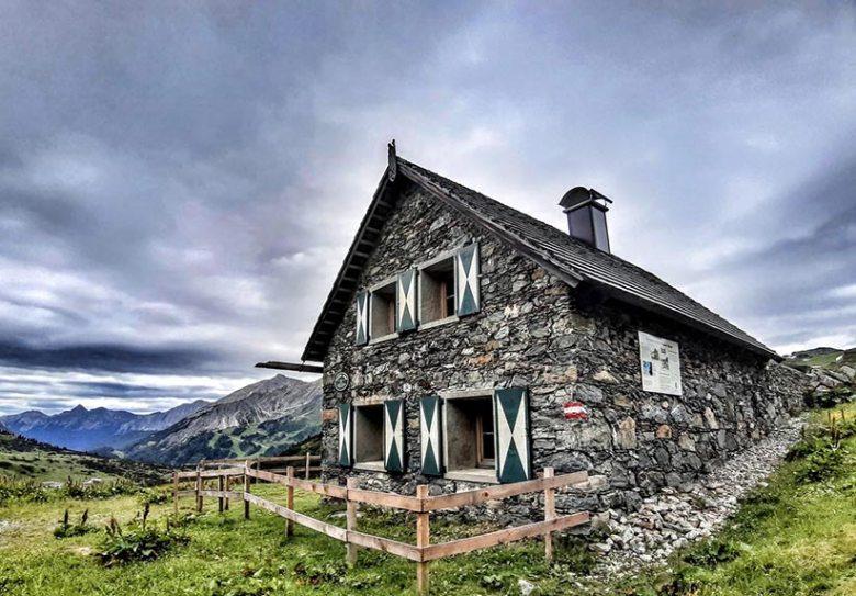 Die liebevoll restaurierte Knappenalm in Obertauern bietet die idealen Rahmenbedingungen für die Tauernhex-Kochkurse. Foto: Tauernhex
