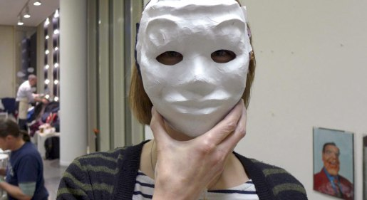 Foto: Anprobe der Maske