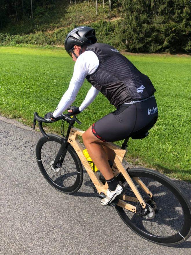 Rennrad aus Holz