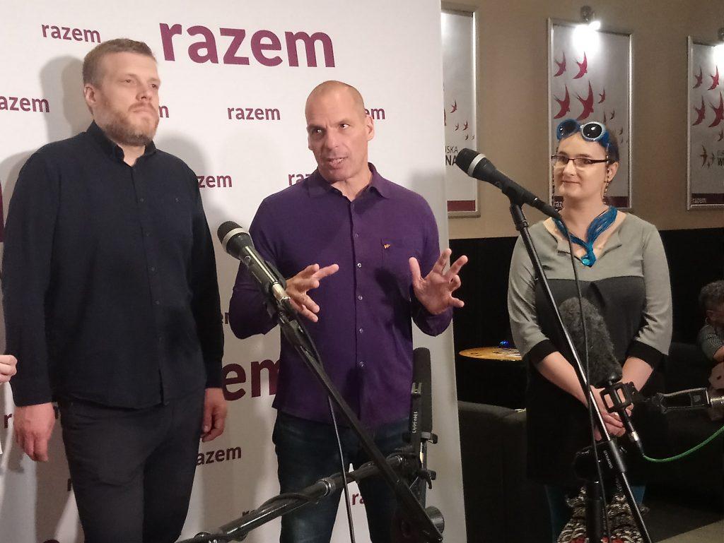 Yanis Varoufakis en rueda de prensa.