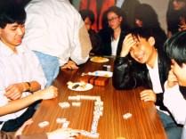 Hùng và những quân domino