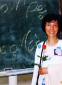 1993-06-06 - Paris : Bác Hà với đóa hồng ngày Mẹ