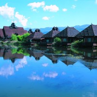 Inle Princess Resort, Zikadentrillern und Badewannen in Bootsform