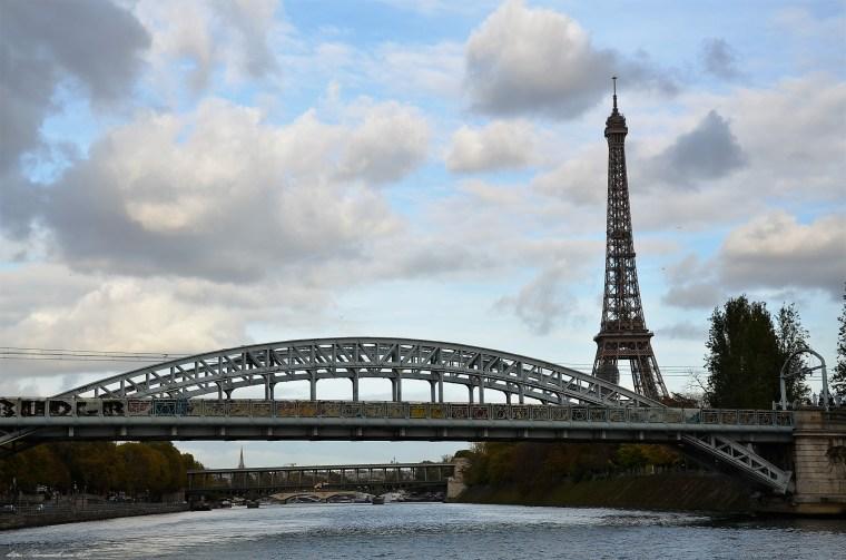 Paris (74)