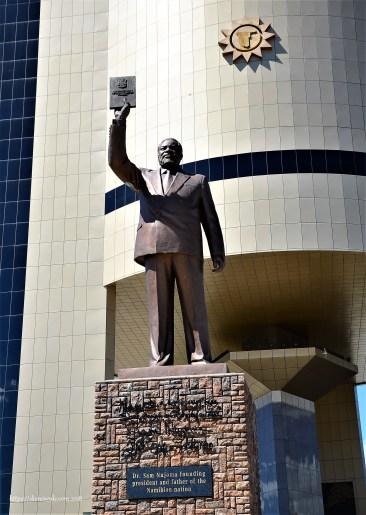 Statue Dr. Sam Nujoma