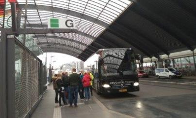 Shuttlebus von Amsterdam Centraal zum Fährhafen