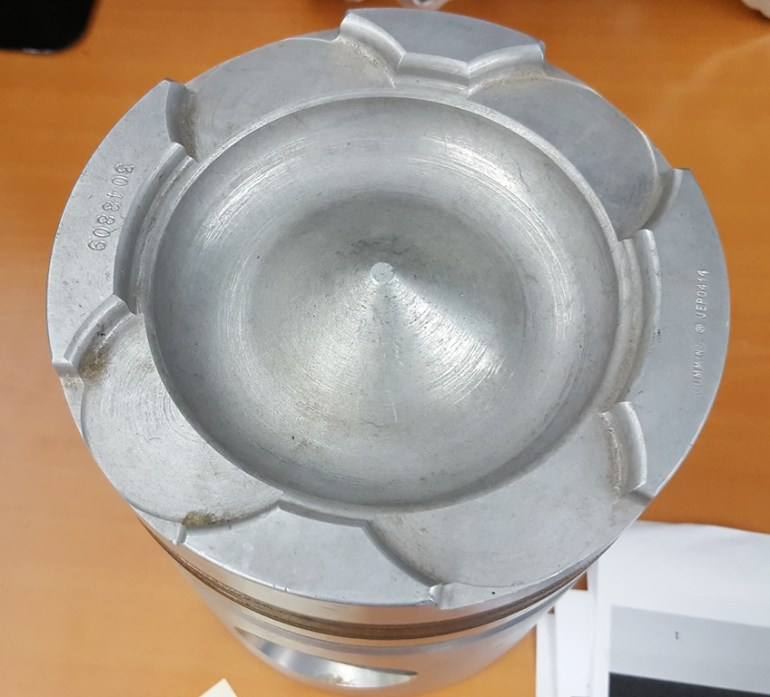 Cummins 855 Piston