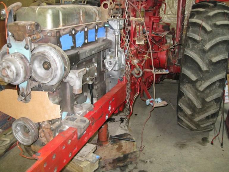 Farmall 706 Detroit Diesel 002a
