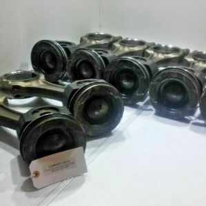(SET OF 7) Cummins ISX15 Pistons and Connecting Rods OEM