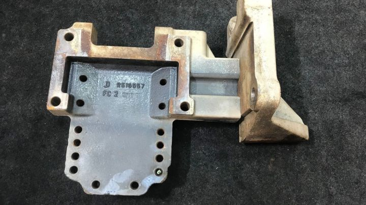 John Deere 6068 HF285 Diesel Engine Support Bracket R516557 OEM
