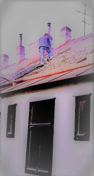 Mann auf Dach (2)
