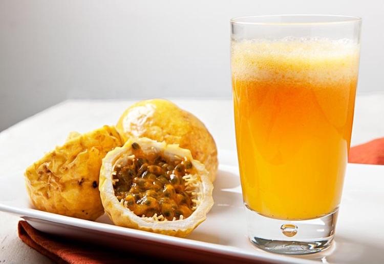 suco de maracujá com hortelã suco de maracujá com cenoura