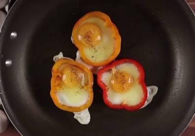 huevos con pimientos