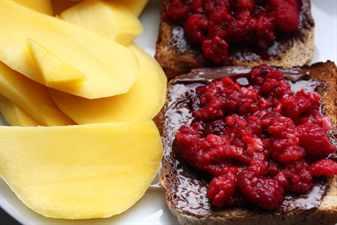 Низкокалорийная диета меню на месяц. Низкокалорийная диета – строгая. Умеренно ограниченная низкокалорийная диета