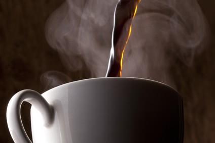 コーヒーをそそぐ