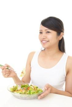 太るサラダはダイエット中に注意!【ドレッシングにも注意!】