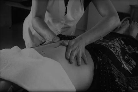 massage ventre pour femme