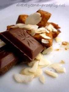 kurczak w czekoladzie i migdałach
