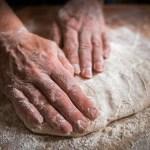 Najlepsze ciasto na pizzę – wybierz przepis idealny dla Ciebie