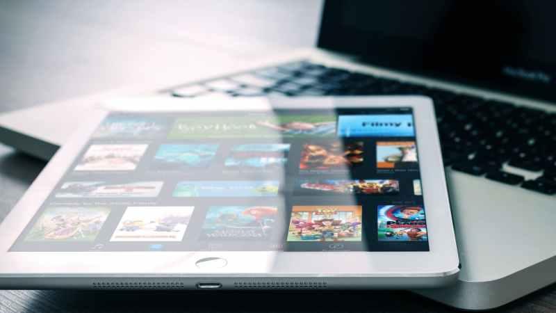 Coronavirus: dove guardare film, serie tv e anime in streaming legale (gratis)