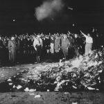 """Schultes """"Kontrollverlust"""" und der gemerkelte Buchhandel: Letzte Station vor der Buchverbrennung"""