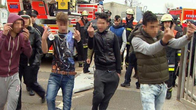 """UNHCR: Flüchtlinge sind """"gesetzestreuer"""" als Deutsche! - Die Unbestechlichen"""