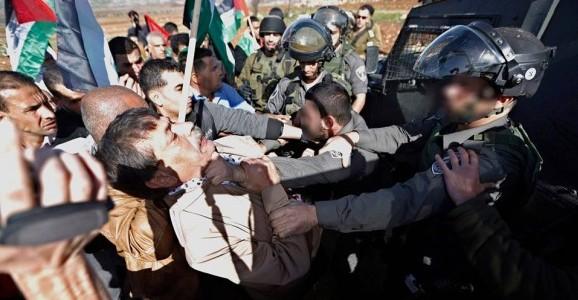 Ministro palestiniano morre durante protesto pacífico