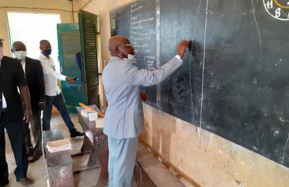 Déconfinement : Salimane Karimou constate le retour en classe des écoliers, au Bénin, à partir de l'Ouémé