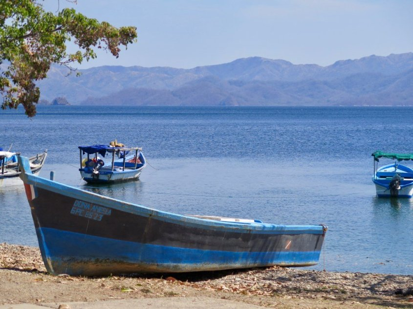 Diving in Costa Rica but not at Cocos Islands
