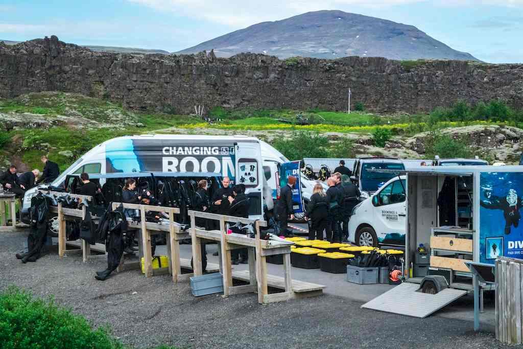 Plonger en Islande : le parking du rendez-vous pour plonger dans la faille de Silfra en Islande